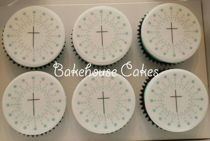 Confirmation cupcake with invitation motive topper