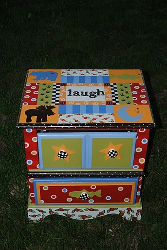 Painted Furniture, love the look, have a small night stand I am going to do this with!!  rcl