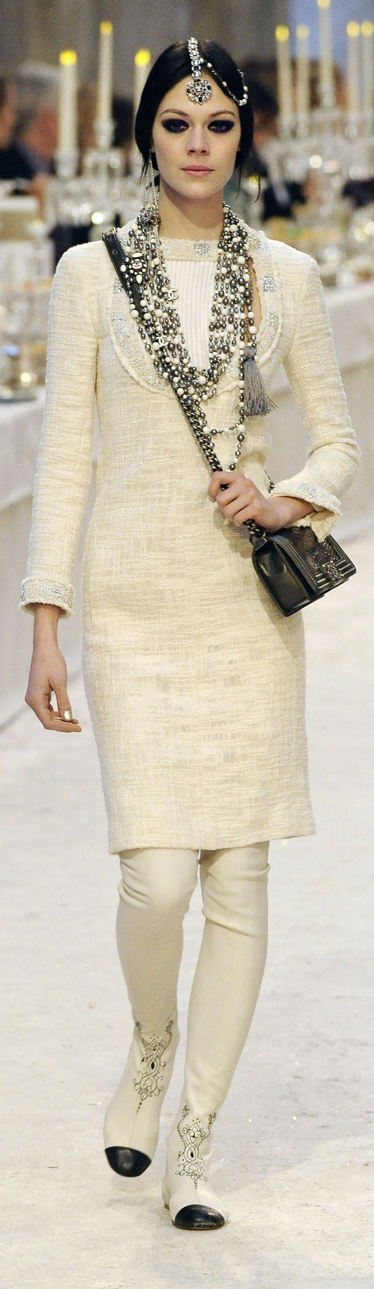 Chanels influence on fashion essay