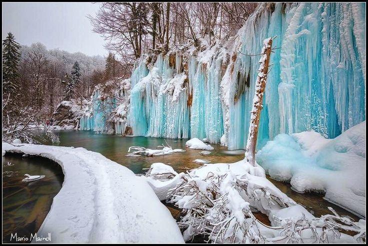 A Plitvicei-tavak környéke minden évszakban csodálatos látványt nyújt, a mostani tél viszont még különlegesebbé tette, nézd meg képgalériánkat te is mindenképp!