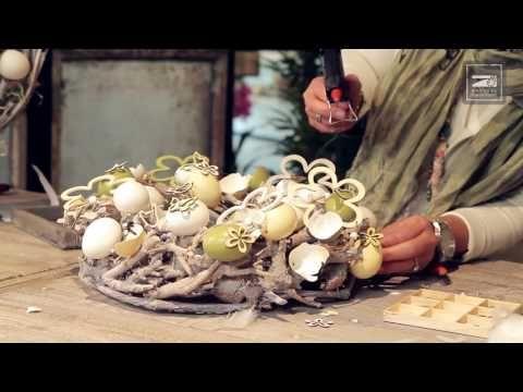Workshop: Maak zelf een vrolijke paaskrans met eieren - YouTube