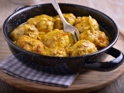 Receta   Albóndigas de pescado con salsa de champiñones - canalcocina.es