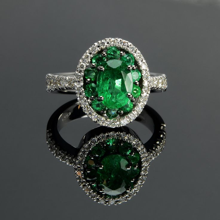 Ring in 18 kt gold with #emeralds of 2,02 ct and natural brilliant-cut white #diamonds of 0,43 ct. The #ring is available in white gold, rose gold, yellow gold but you can also customize carats, quality, and color of #gemstones. All our #jewelry are made in italy. Contact us for any particular request.