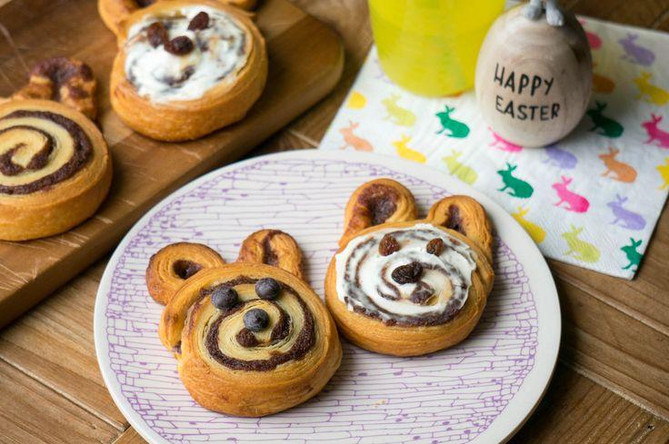 Konijn of paashaas. Deze konijnen kaneelbroodjes zijn heerlijk voor bij het paasontbijt. Welk kind wil zo'n broodje nou niet op zijn bord.