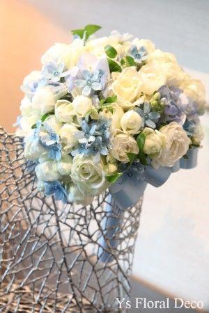 白と水色のラウンドブーケ @ペニンシュラホテル東京 ys floral deco