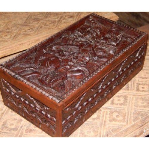 Kotak perhiasan kayu motif ukiran budha  Panjang: 20cm  Lebar: 10cm  Tebal: 6cm  Bahan: Kayu Sono  Kotak Kayu Tempat Perhiasan, sangat cocok untuk anda pengoleksi perhiasan. Disini anda bisa menyimpan perhiasan anda, Ukiran Batik membuat Kotak Kayu ini sangat Unik dan Menarik, Tersedia dari ukuran Kecil untuk tempat Cincin, dan ukuran Besar tempat berbagai macam perhiasan.