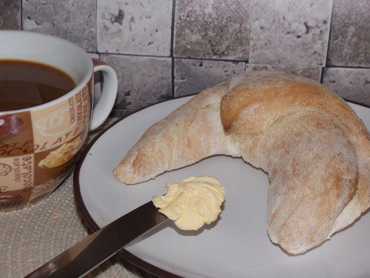 Gluténmentes kifli reggelire, uzsonnára Gluténmentes péksüteményeket legjobb otthon készíteni, akkorra, amikor szeretnénk azt elfogyasztani. Puha, meleg, illatos. Gluténmentes kifli recept – reggelire, tízóraira