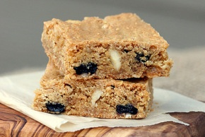 Crispy Cream Blueberry Blondies With Macadamia Nuts: Nut Recipe, Bar Inspiration Crispy, Brownies Recipe, Blonde Recipe, Bar Cookies, Macadamia Nut, Blueberries Blondi, Cream Blueberries, Crispy Cream