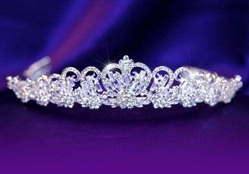 """Επάργυρη Πολύ Κομψή Νυφική Τιάρα για Γάμο με Κρύσταλλα Swarovski """"Sissi"""" - http://www.memoirs.gr/"""