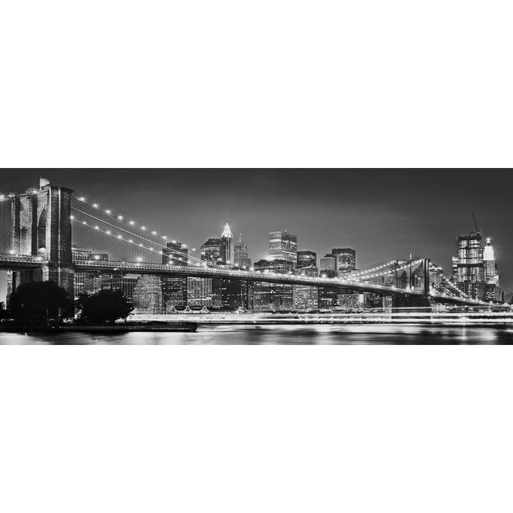Fototapet Podul Brooklyn, un minunat peisaj urban cu un monument arhitectonic din New York. Comanda online Fototapet Podul Brooklyn pe traget.ro.