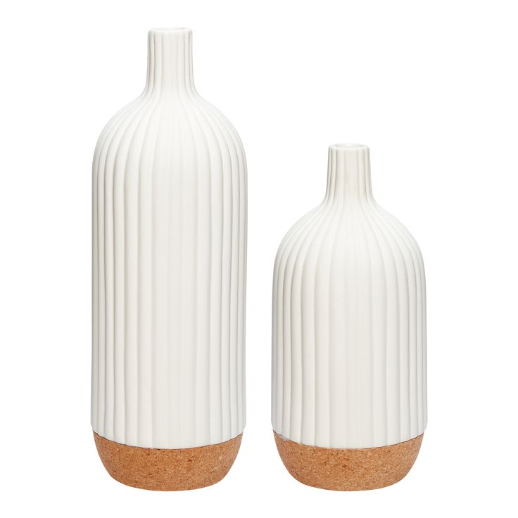 Porcelain vase with cork bottom. Product number: 640314 - Designed by Hübsch
