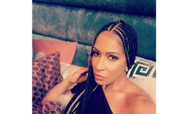 "Black #Cosmopolitan Did Sheree Whitfield Marry An Inmate?   #Nene, #NeneLeakes, #Sheree, #Television, #TelevisionInTheUnitedStates, #TheRealHousewives, #TheRealHousewivesOfAtlanta            Looks like Phaedra Parks wasn't the only ""Real Housewives of Atlanta"" cast member with a jailhouse hubby. Several blogs are claiming that Sheree Whitfield has finally married her long-rumored prison boo Tyrone Gilliams, who was charged by the feds with running a Ponzi sch"