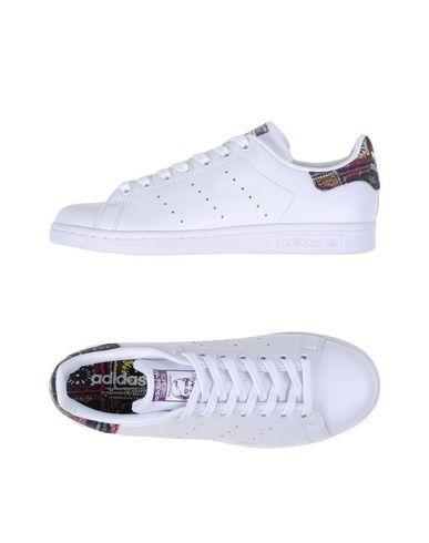 ADIDAS ORIGINALS Low-tops & trainers. #adidasoriginals #shoes #low sneakers & tennisschuhe