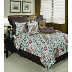 @Overstock - This Sherry Kline Pavo Real seven-piece comforter set features a 100-percent cotton printed peacock animal print design in sage green background. The set includes comforter, bedskirt, shams, and three decorative pillows.http://www.overstock.com/Bedding-Bath/Sherry-Kline-Pavo-Real-7-piece-Comforter-Set/6816900/product.html?CID=214117 $359.99
