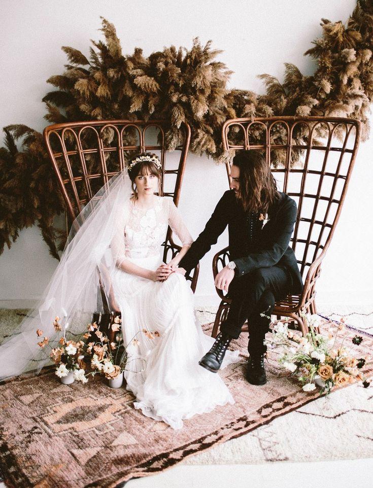 Diese einzigartige Halloween-Hochzeitsinspiration hat uns total in ihren Bann gezogen. Ab nein …   – Boho Wedding Ideas
