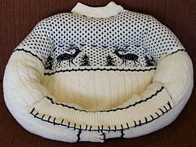 Recycled Sweater Pet Bed: Sweaters, Ideas, Craft, Old Sweater, Pets, Pet Beds, Dog Beds, Diy