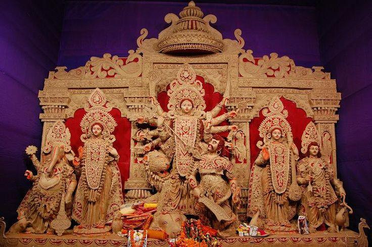 Durga Idol made of JUTE - Kolkata, West Bengal