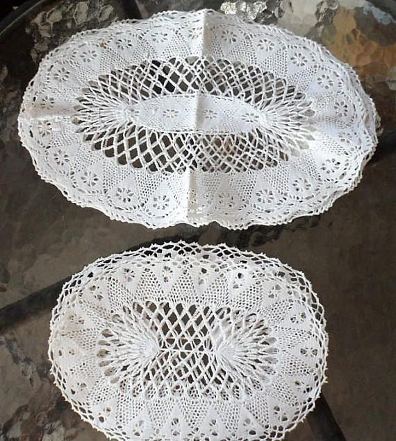 4 Vintage 1950s Hand Crocheted Cotton Lace Oval