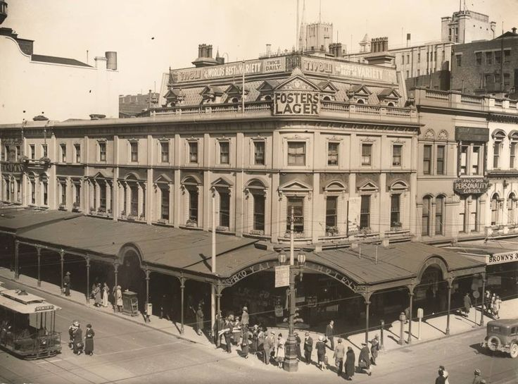 Royal Mail Hotel. Corner of Bourke and Swanston streets, 1938.