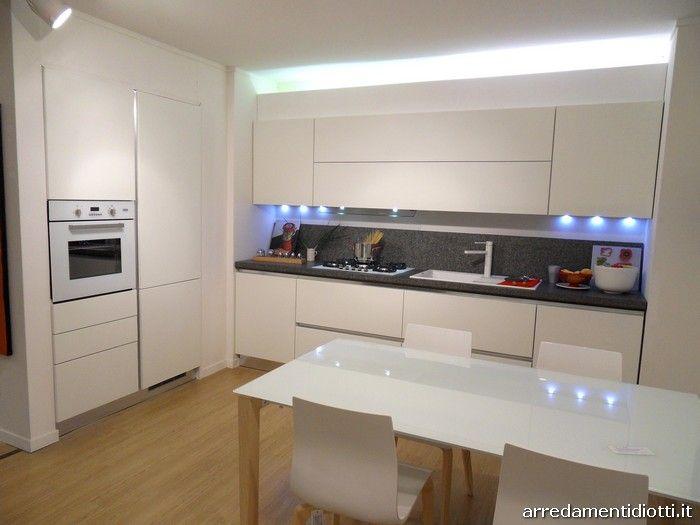 Oltre 25 fantastiche idee su illuminazione moderna su - Illuminazione cucina moderna ...
