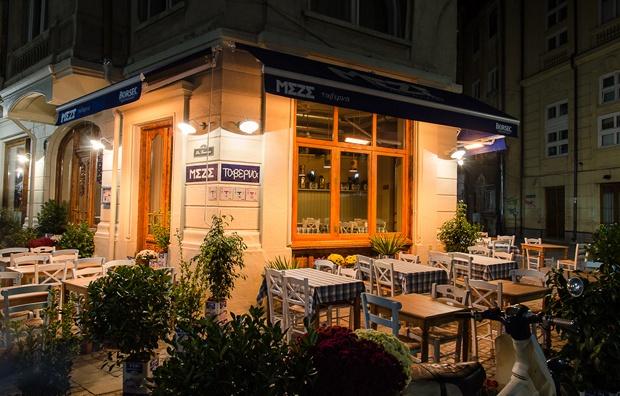 În vizită la restaurantul Meze. http://moodboards.ro