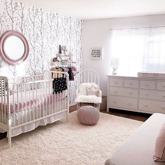 Over the river and through the woods, you'll find the most darling nursery! Image by @lisi_halabi