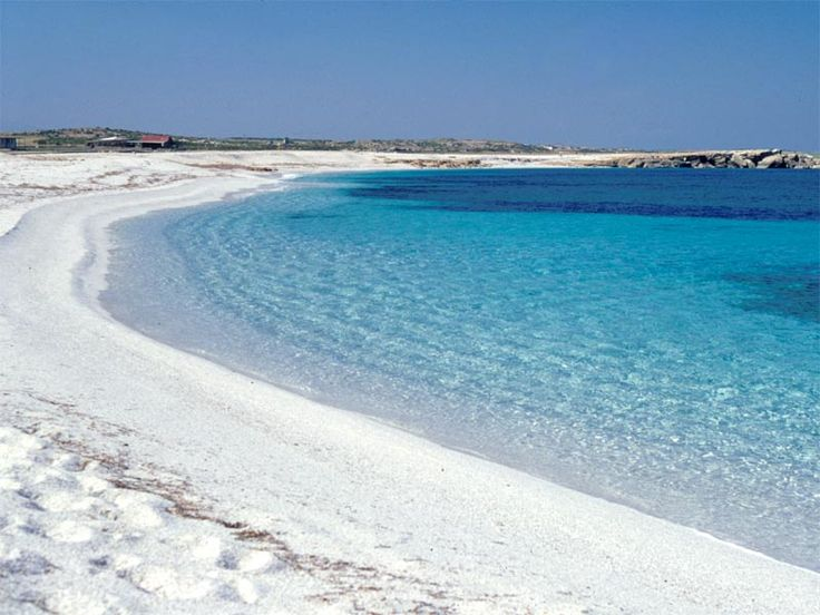 Amazing pic of a white sand beach in #Sardinia surfing on #pintarest :)