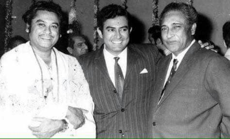 Kishore Kumar, Sanjeev Kumar and Ashok Kumar