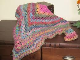 Resultado de imagen de bufanda triangular a crochet ravelry