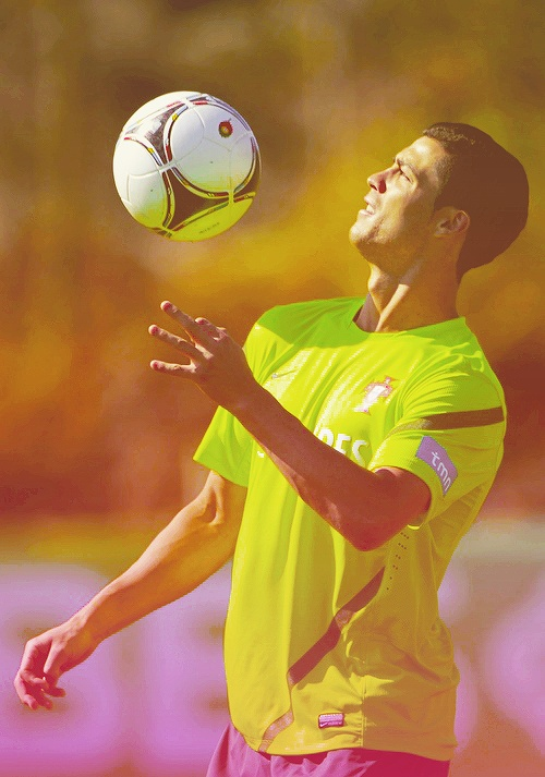 CR7 showing some skills.