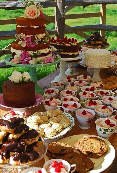 Rosehip Sussex home - Lewes East Sussex vintage tea parties, cakes, iced biscuits, hog roasts, ploughmans, vintage hire, event styling