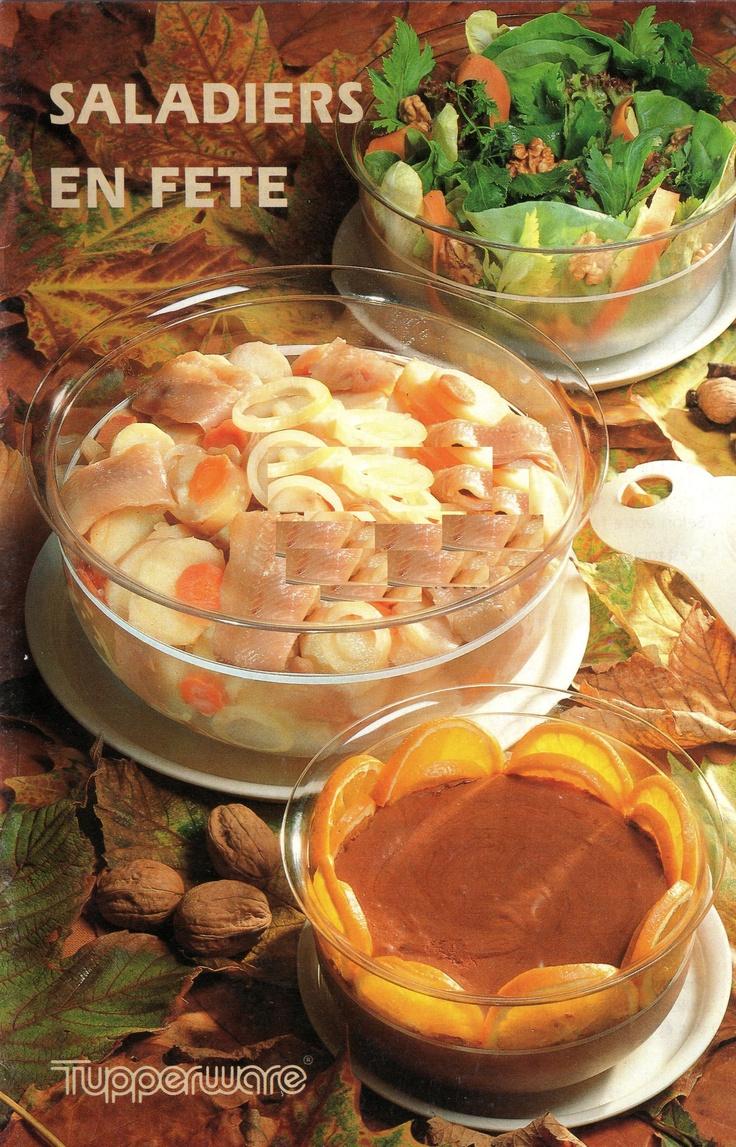 Saladiers en fête : Vinaigrette. Fleur d'endive. Salade de pommes de terre aux harengs. Pâtes coquillages en salade. Taboulé aux fruits de mer. Salade chou-chou. Un buffet en transparence : cocktail de légumes, salade de fruits de mer, salade de haricots blancs aux gésiers confits, charlotte aux noix. Salade de fruits. Oeufs à la neige. Mousse au chocolat. Riz au lait. Punch au thé. Crème Arlequin.Compote de rhubarbe. Ananas macédoine. Damier de fruits secs.