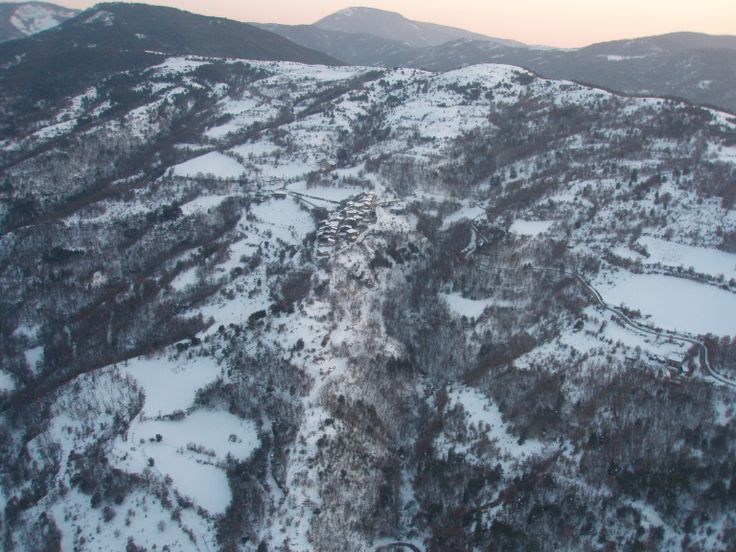 Pictures from an helicopter: Lleida Pyrenees, by Andreu Martin and Albert de Gracia.