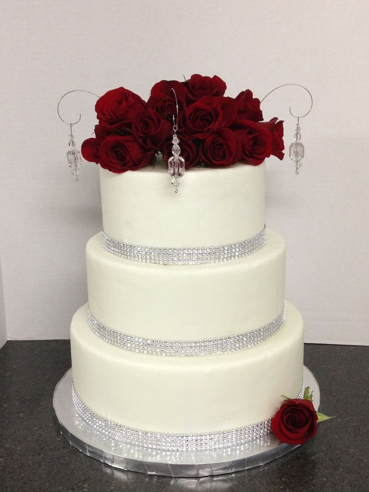 wedding cakes with red roses and bling beautiful roses amp bling wedding cake shellscakes 26098