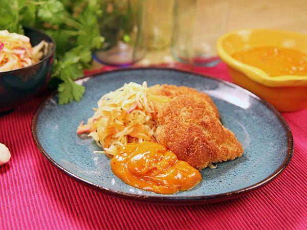 Frasig kyckling med rökt paprikamajonnäs och kålsallad | Recept från Köket.se