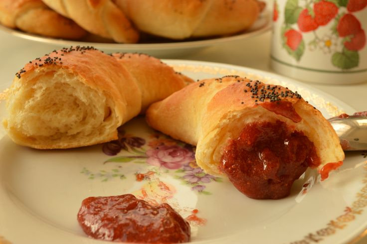 Butter Rolls with Poppy Seeds