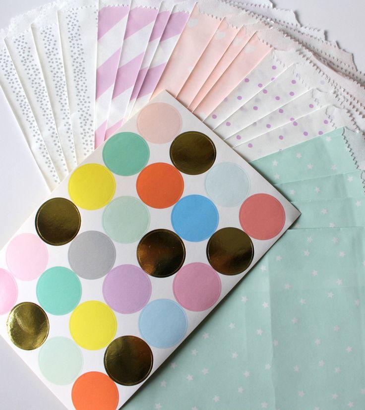 Papiertüten - 20 Flachbeutel Papiertüten pastell & bunte ... - ein Designerstück von krealiebst bei DaWanda