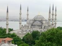 イスタンブールのブルーモスク。モザイクもステンドグラスも大好き。モスクの造形も好き。トルコも好き=行きたい。