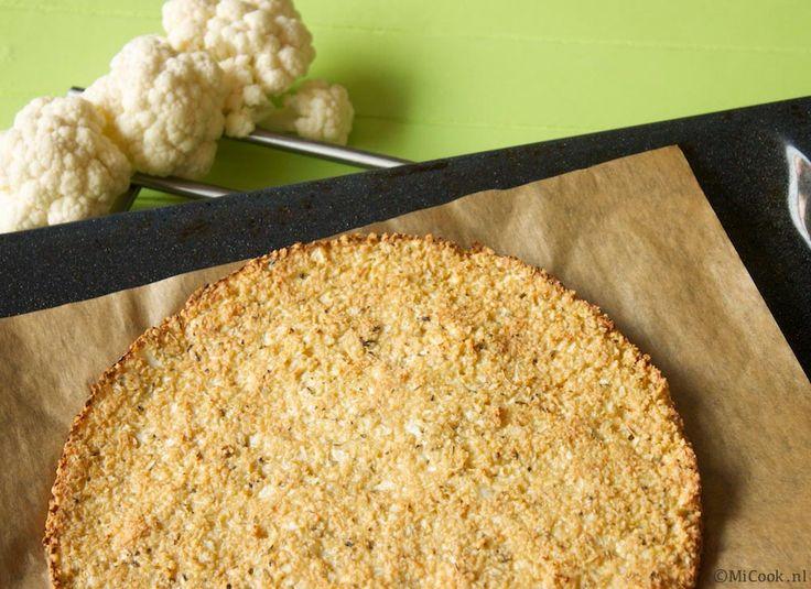 Bloemkoolpizza zonder kaas, tarwe of suiker en waarbij geen magnetron nodig is.