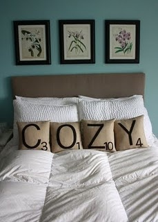 Cozy: Bedrooms Pillows, Guest Bedrooms, Gifts Ideas, Scrabble Pillows, Cute Ideas, Scrabble Tile, House, Guest Rooms, Diy Decor Bedrooms