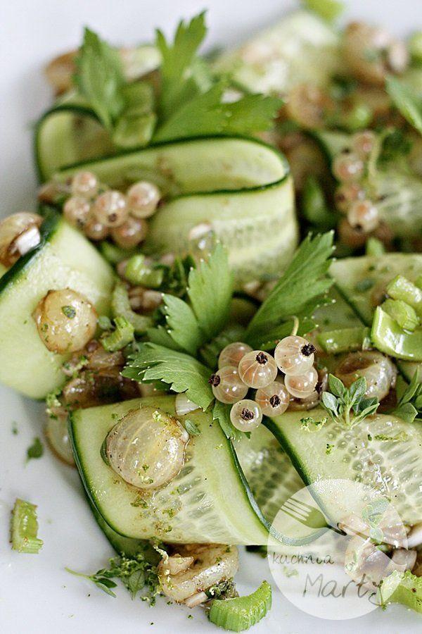 Lekka Salatka Z Agrestem I Zielonym Ogorkiem Http Kuchnia Marty Pl Lekka Salatka Z Agrestem I Zielonym Ogorkiem Healthy Recipes Food Healthy