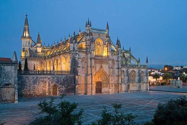 Batalha monastery - PORTUGAL. Erected in commemoration of the 1385 Battle of Aljubarrota, and would serve as the burial church of the 15th-Century Aviz dynasty of Portuguese royals. It is one of the best and original examples of Late Gothic architecture in Portugal, intermingled with the Manueline style.
