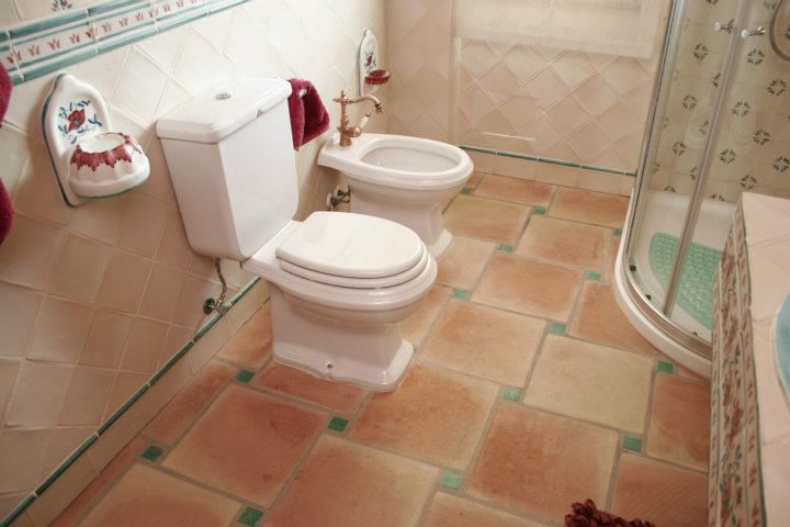 How To Get Idea About Bathroom Tile Prices In Pakistan Choosing The Best And Trendy Bathroom Ti Trendy Bathroom Tiles Tile Bathroom Small Bathroom Renovations