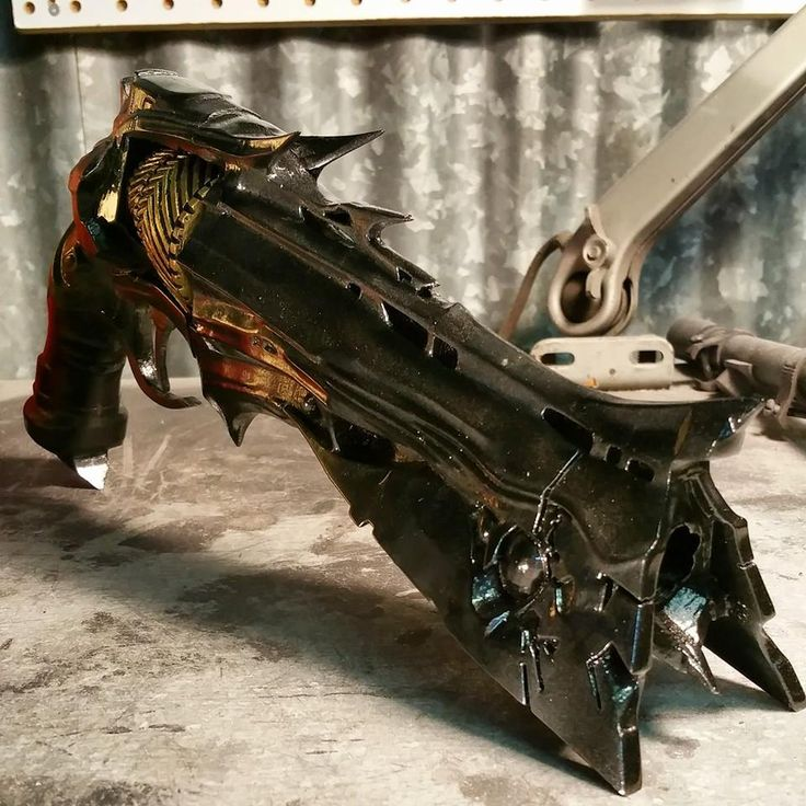 Destiny Fans Rejoice: There now exists an incredibly detailed Thorn Hand Cannon replica http://3dprint.com/34056/destiny-thorn-hand-cannon/