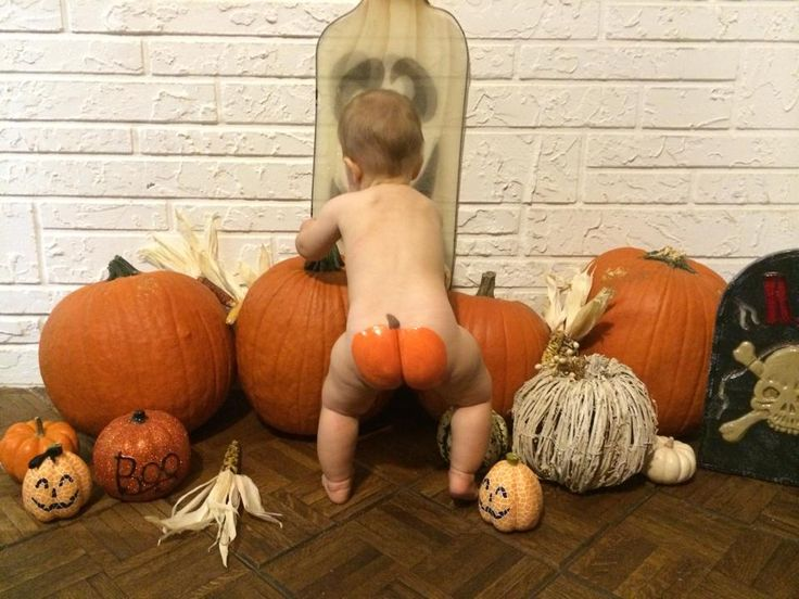 easy prop for 1st Halloween photo !!!!