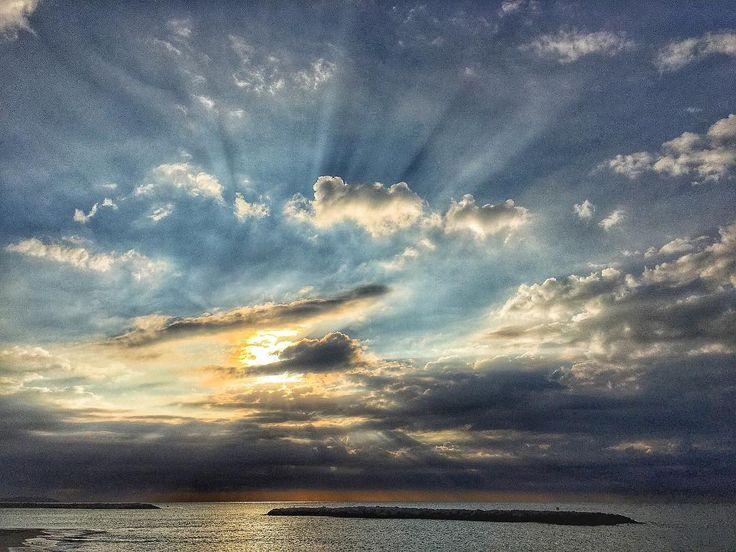 Volumen ligth. #clouds #luis_jardi  #luisjardi #freesound #sfxcentral #sea #seawaves #storm  #cubase #logicaudio