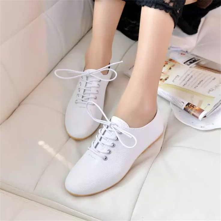 14.13$  Buy here - http://aliodf.shopchina.info/go.php?t=32631161915 - Spring lace up women single shoes new white shoes lace-up nurse flat shoes wholesale free shipping  #SHOPPING
