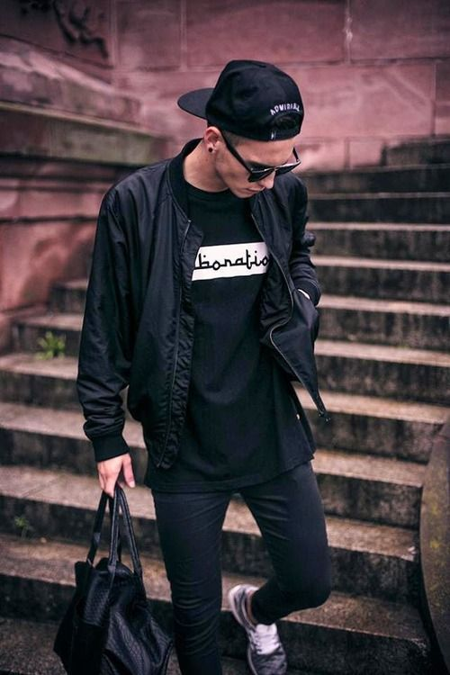 Look masculino all black jaqueta bomber
