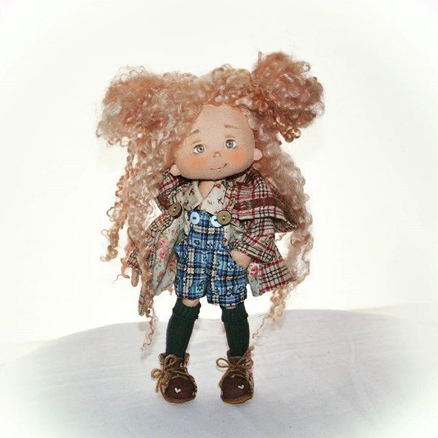 Ох уж эти маленькие девочки!  #кукла #ручнаяработа #авторскаяработа #девочка #любимаякукла #текстильнаякукла #интерьернаякукла #тряпичнаякукла