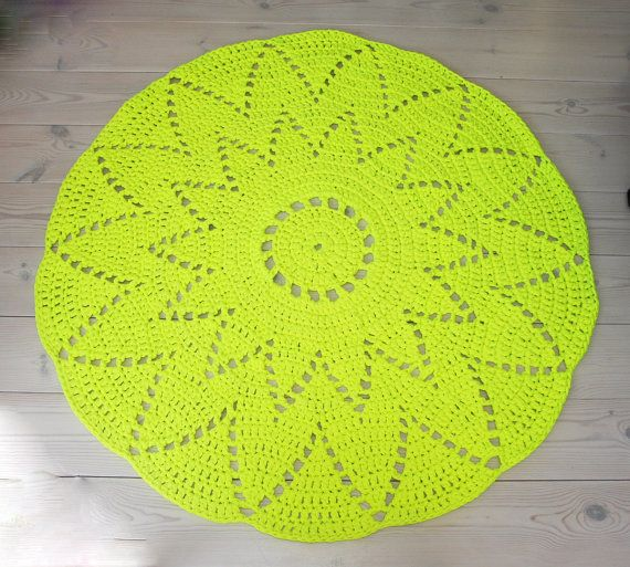 Round neon yellow doily rug 54 in / 137 cm by ForHomeAndSoul